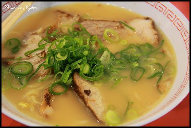 【日本大阪】只有名氣可以享用的大阪拉麵名店 金龍ラーメン @小盛的流浪旅程