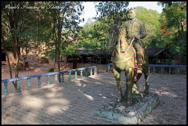 【泰國清萊】勇闖毒梟的大本營 坤沙紀念館 & 戒毒村 @小盛的流浪旅程