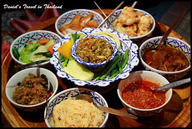 【泰國清邁】Khum Khuntoke 道地美食結合大型歌舞表演之泰式傳統王府饗宴 @小盛的流浪旅程