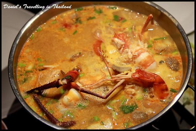 【泰國清邁】部落博物館湖畔泰式餐廳 椰奶濃郁獨特風味讓人著迷的泰式酸辣湯(冬蔭功) @小盛的流浪旅程