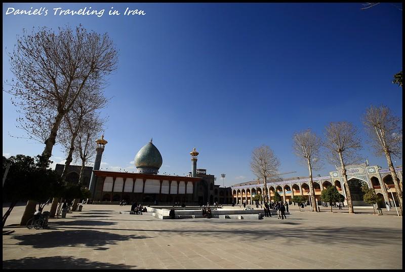 【伊朗設拉子】探訪伊斯蘭清真寺I – 絢爛奪目的燈王之墓(Aramgah-e Shah-e Cheragh)以及莊嚴肅穆的瓦基爾清真寺(Vakil Mosque) @小盛的流浪旅程