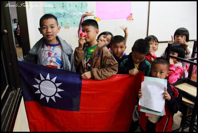 【泰國清萊】帕黨村&培英中學 探索國軍以鮮血所換來的世外仙境、小盛老師教課初體驗 @小盛的流浪旅程