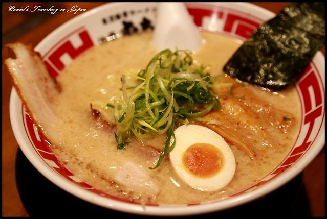 【日本東京】屯ちん 池袋本店 入侵台灣的屯京拉麵總本店 感受超濃郁的日式豚骨湯頭風味 @小盛的流浪旅程
