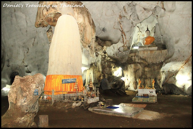 【泰國清邁】Maung on cave 探索清邁市郊驚奇的鐘乳石窟 既神聖又帶有些許詭異的神祕感的穴中廟 @小盛的流浪旅程