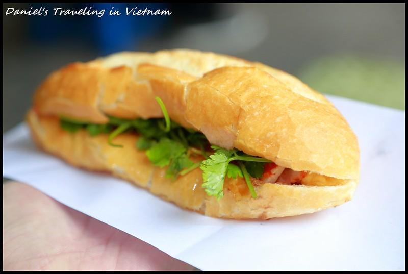 [越南河內] 2019河內美食 越南麵包大探險 Banh Mi Pate, Mon Hue & Banh Mi Hoi An感受文化融合的在地美味小吃 @小盛的流浪旅程