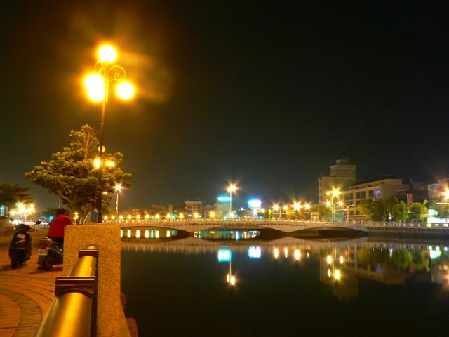 【台南安平】燈火通明的台南運河夜景 @小盛的流浪旅程