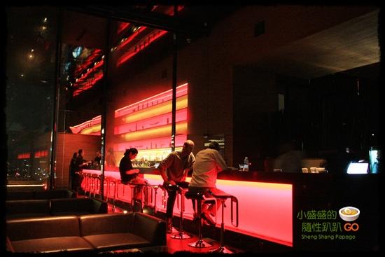 【泰國曼谷】Long Table Bar有夜景、有音樂、有泳池之景觀餐廳 @小盛的流浪旅程