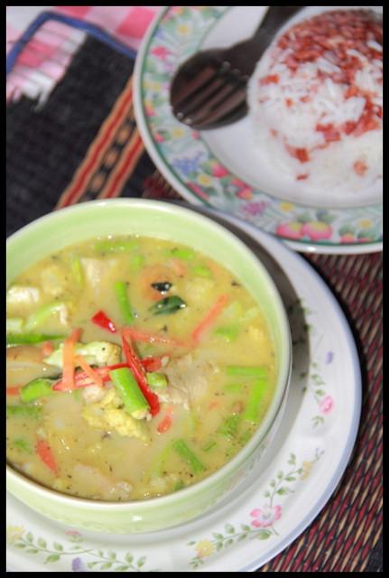 【泰國南邦】道地獨特風味綠咖哩 Kruang 312 @小盛的流浪旅程