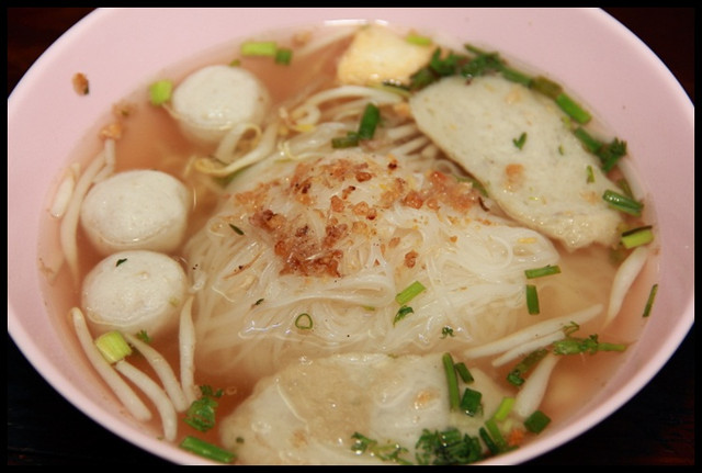 【泰國湄宏順】Q彈鮮美魚丸風味 Pai城米粉湯 @小盛的流浪旅程